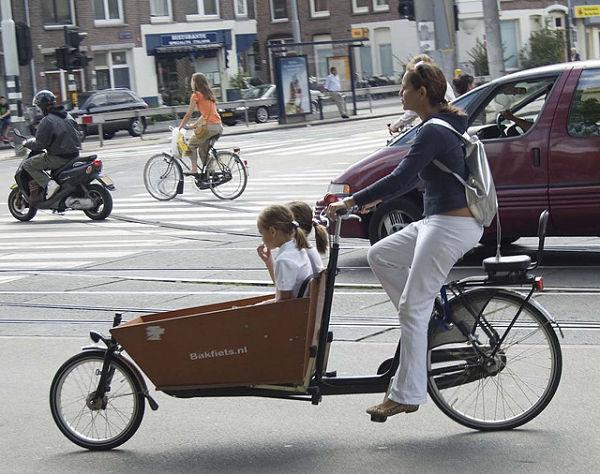 amsterdam-bicis-ninos